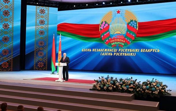 Лукашенко полностью перекрыл границу с Украиной