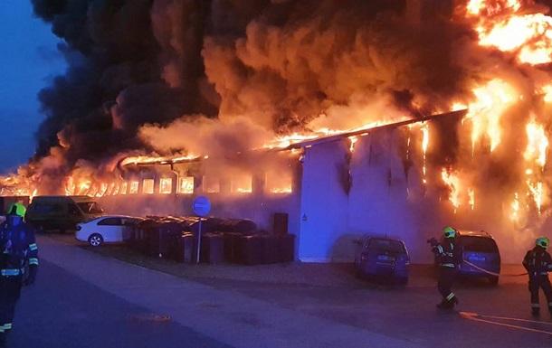 У Празі сталася масштабна пожежа у виставковому центрі
