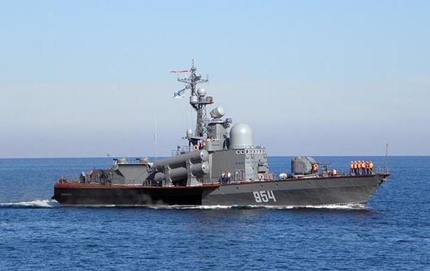 Росія направила ракетний катер на допомогу українцям у Чорному морі