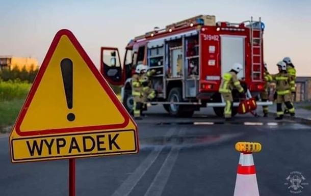 У Польщі четверо українців постраждали в ДТП