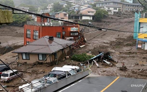 У Японії після зсуву знайшли живими 19 осіб