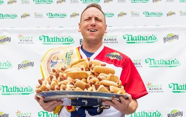 У США встановлено новий рекорд з поїдання хот-догів