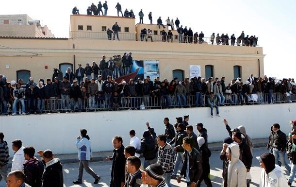 У Британії збільшать тюремні терміни мігрантам, які перетинають Ла-Манш