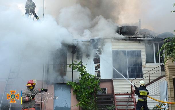В Днепре горел жилой дом