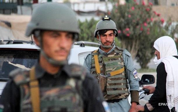 Біля поліцейського блокпоста в Кабулі вибухнуло заміноване авто - ЗМІ