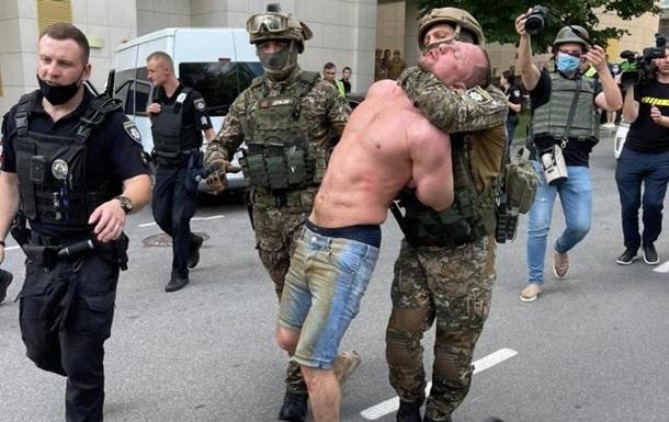 У Києві затримали стрільця, що ранив поліцейських