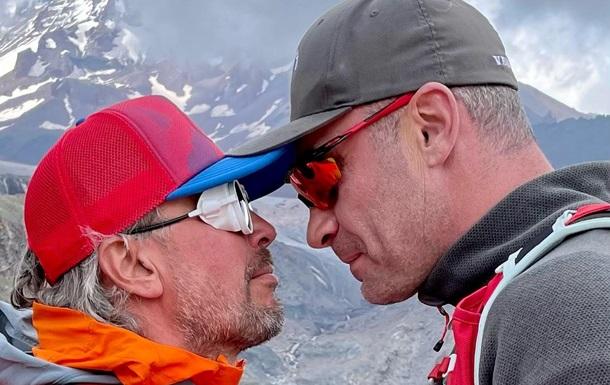 Кличко здійснив унікальне сходження на Казбек