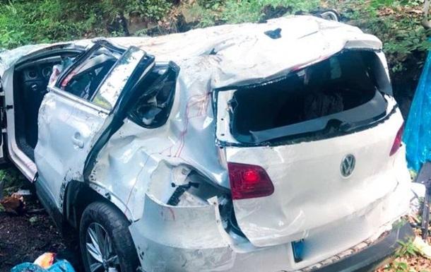 В Яремче четыре человека погибли при падении авто с обрыва