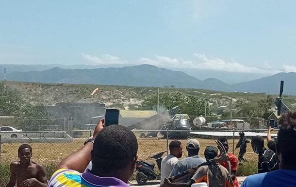 На границе с Гаити упал военный вертолет Доминиканы