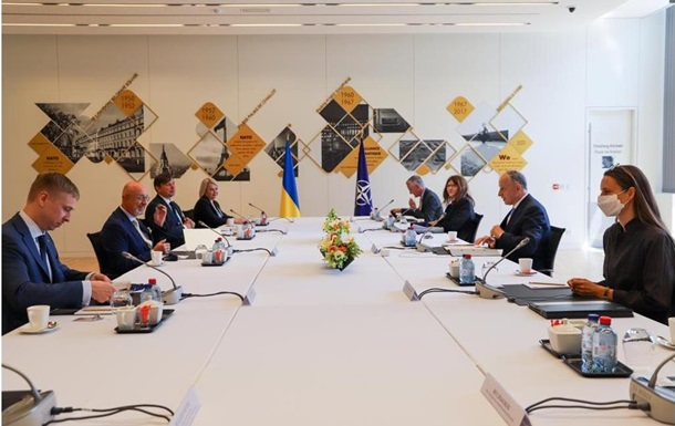 Резніков розповів НАТО про блокування РФ переговорів щодо Донбасу