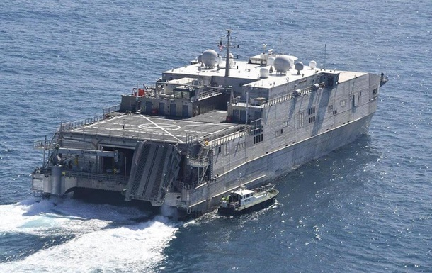 США скерували десантний корабель у Чорне море