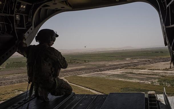 США і Британія вивели більшість своїх військових з Афганістану