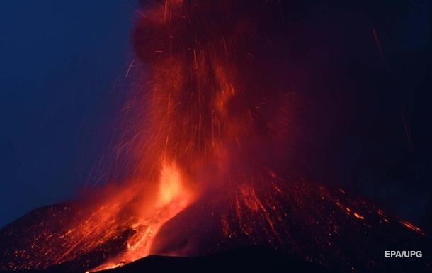 На Сицилії сталося нове виверження вулкана Етна