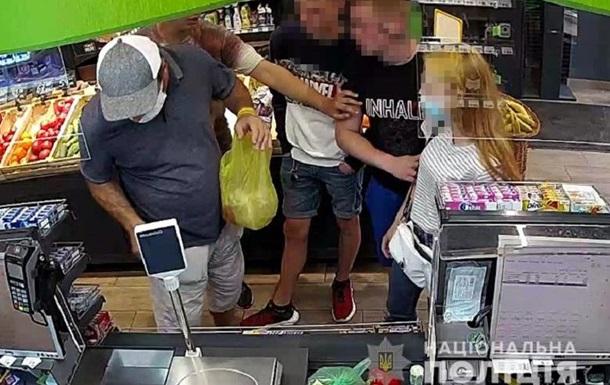 У Києві в супермаркеті сталася поножовщина