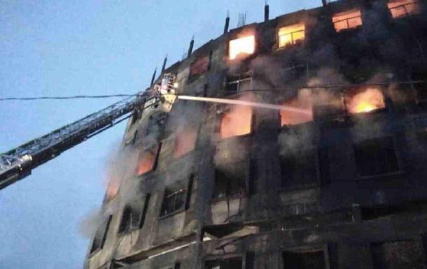 Кількість жертв пожежі в Бангладеш перевищила 50 осіб