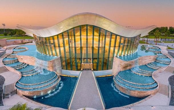 В ОАЭ открыли самый глубокий в мире бассейн для дайвинга