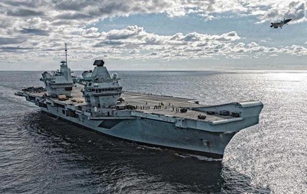 Российская подлодка следила за британским авианосцем - СМИ