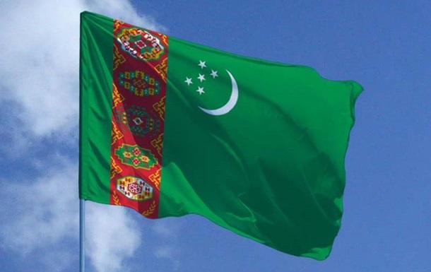 Туркменістан стягує військову техніку до афганського кордону - ЗМІ