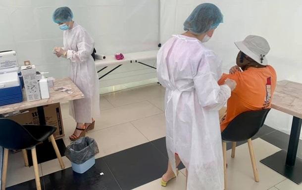В Чернигове начали вакцинировать Pfizer всех желающих