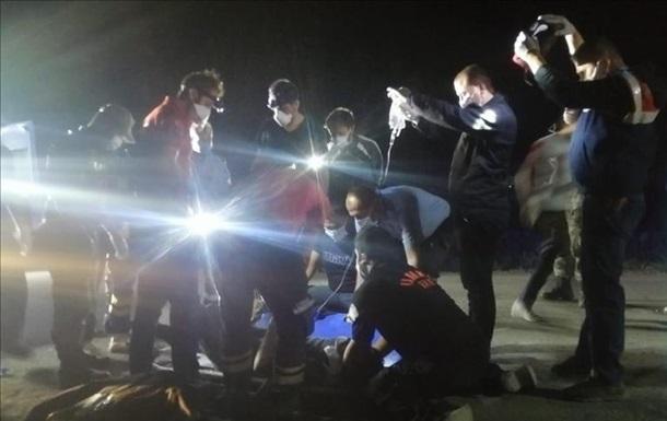 В Турции разбился микроавтобус с нелегалами, 12 жертв - «ДТП»