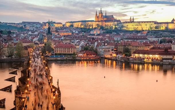 Чехия отказалась от  женских  фамилий