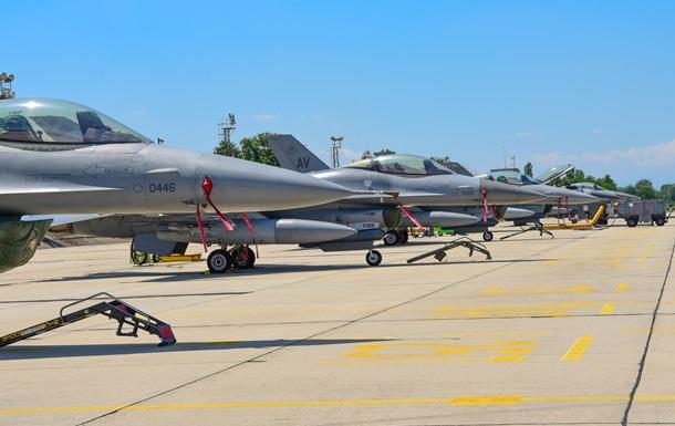 Американские истребители F-16 прибыли на учения в Болгарию