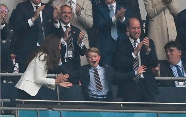 Реакция принца Джорджа на финал Евро стала мемом