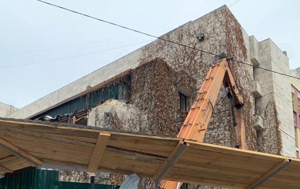Мінкульт вимагає зупинити знесення будівлі Квіти України в Києві
