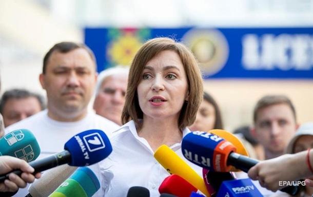 `Революція` в Молдові. Санду отримала всю владу