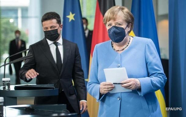 Меркель пообещала Украине 1,5 млн доз COVID-вакцин