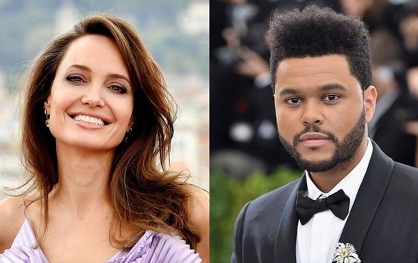 Джоли подогрела слухи о романе с известным певцом