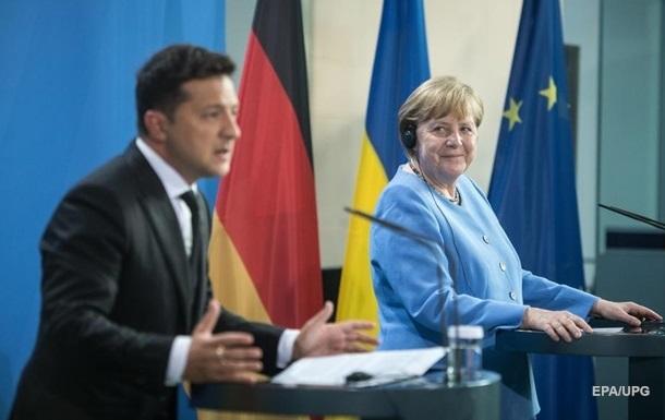 Зеленский рассказал о переговорах с Меркель