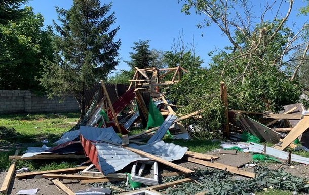 Сепаратисты обстреляли поселок на Донбассе