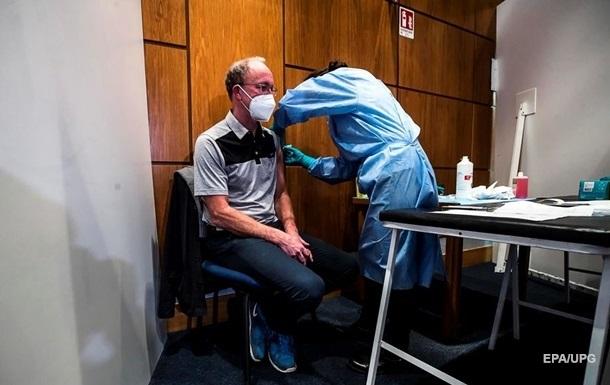 В ЕС полностью вакцинировали больше половины взрослого населения