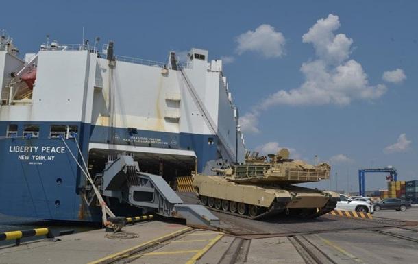 В Литву прибыли сотни единиц военной техники США