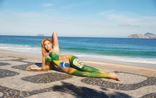 Бразильські моделі знялися оголеними