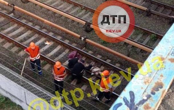 Стала відома доля людини, яка потрапила під потяг у київському метро