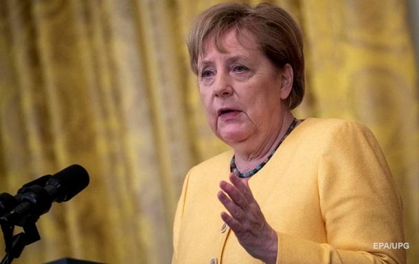 Северный поток не должен стать заменой транзита газа Украиной - Меркель