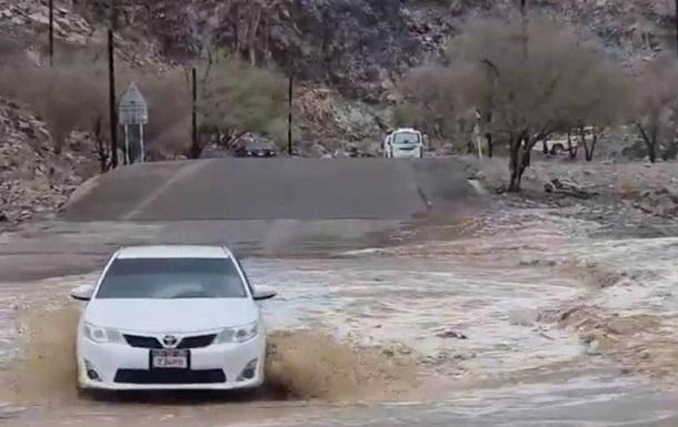 В ОАЭ искусственно вызывают дожди