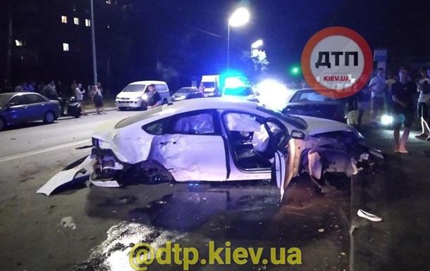 У Києві чоловік втік після ДТП, кинувши помирати дружину на асфальті