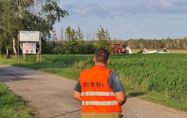 У Німеччині впав літак з підлітками на борту: троє загиблих