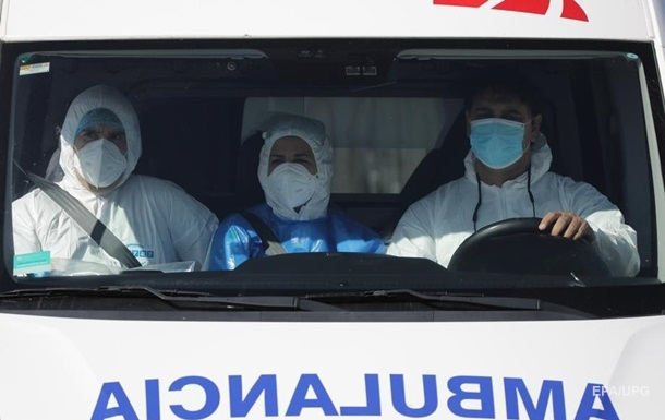 Оскорблял и плевал в лицо: житель Славянска напал на бригаду скорой