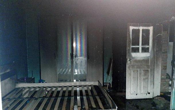 На Буковині чоловік підпалив будинок з дитиною