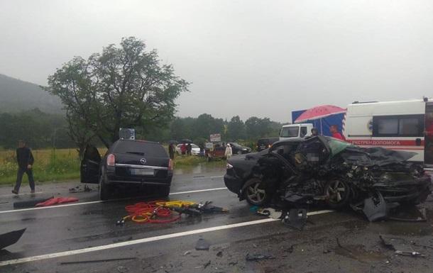 В ДТП на Львовщине погибли женщина и ребенок