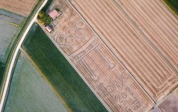 В Италии художник изобразил на поле с посевами символ Олимпиады