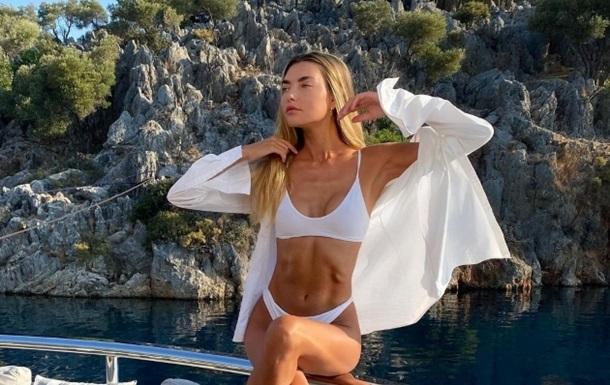 Украинская модель очаровала снимками в купальнике