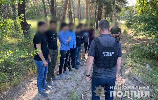 Полиция задержала 36 нелегальных мигрантов