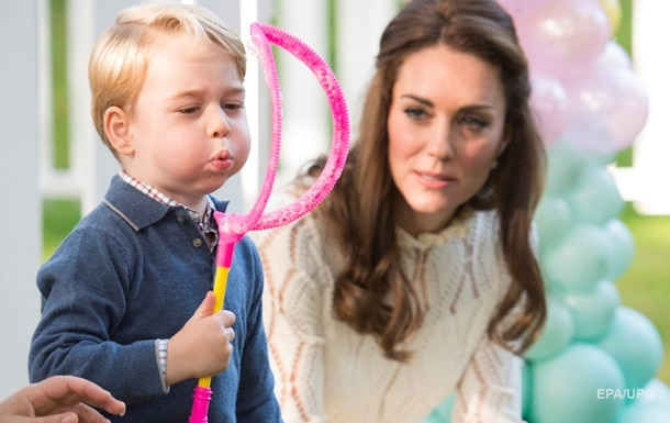 Герцоги Кембриджские поделились новым фото принца Джорджа