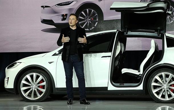 Отстает от Big Tech. Биткоин обвалил акции Tesla