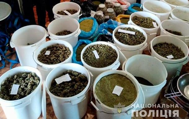 У жителя Николаевщины обнаружили 40 кг конопли и плантацию